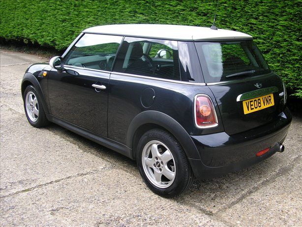 2008 (08) Mini Cooper 1.6 6 Speed Metallic Black 2008 Guarantee