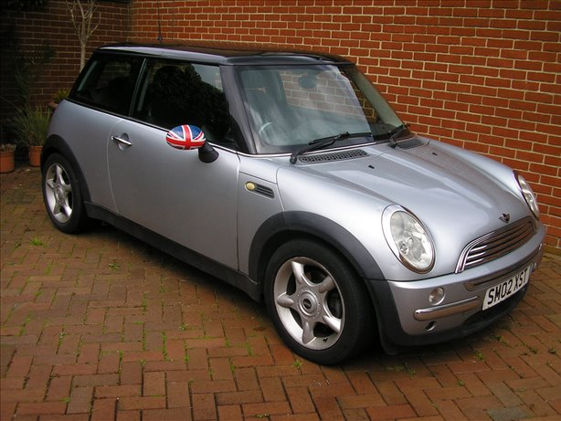 2002 (02) Mini Cooper 1.6 Chili Silver with Black Half Leather Interior