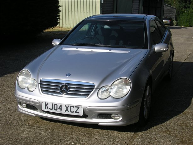 2004 (04) Mercedes-Benz C Class C 180 KOMPRESSOR SE AUTO PAN ROOF LOW LOW MILEAGE FABULOUS